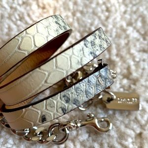 🌺HostPick🌺 COACH python embossed bracelet
